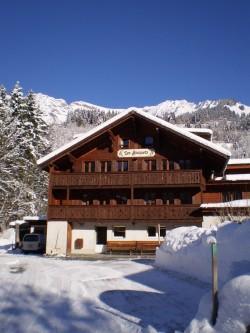 Les Bosquets, Suisse