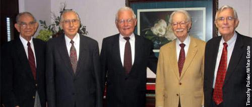 Les cinq membres à vie du Ellen G. White Estate
